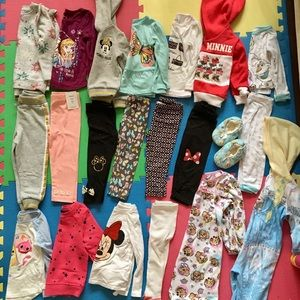 Disney lot of 21 toddler girl size 2t fall clothes